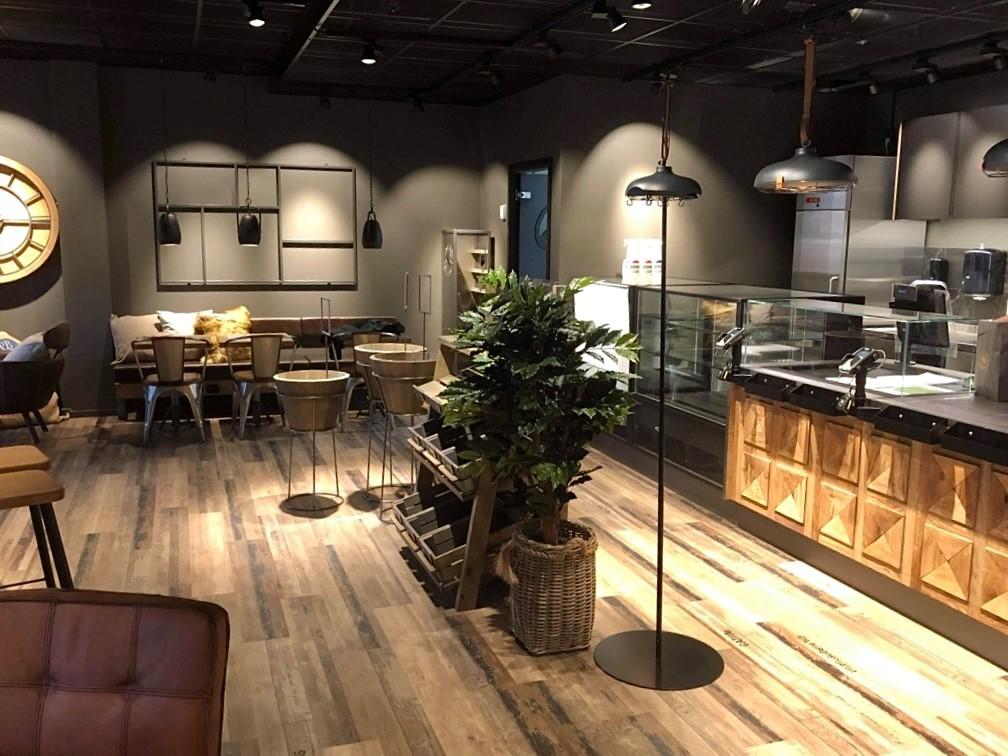 Cafekök byggt av Legruppen
